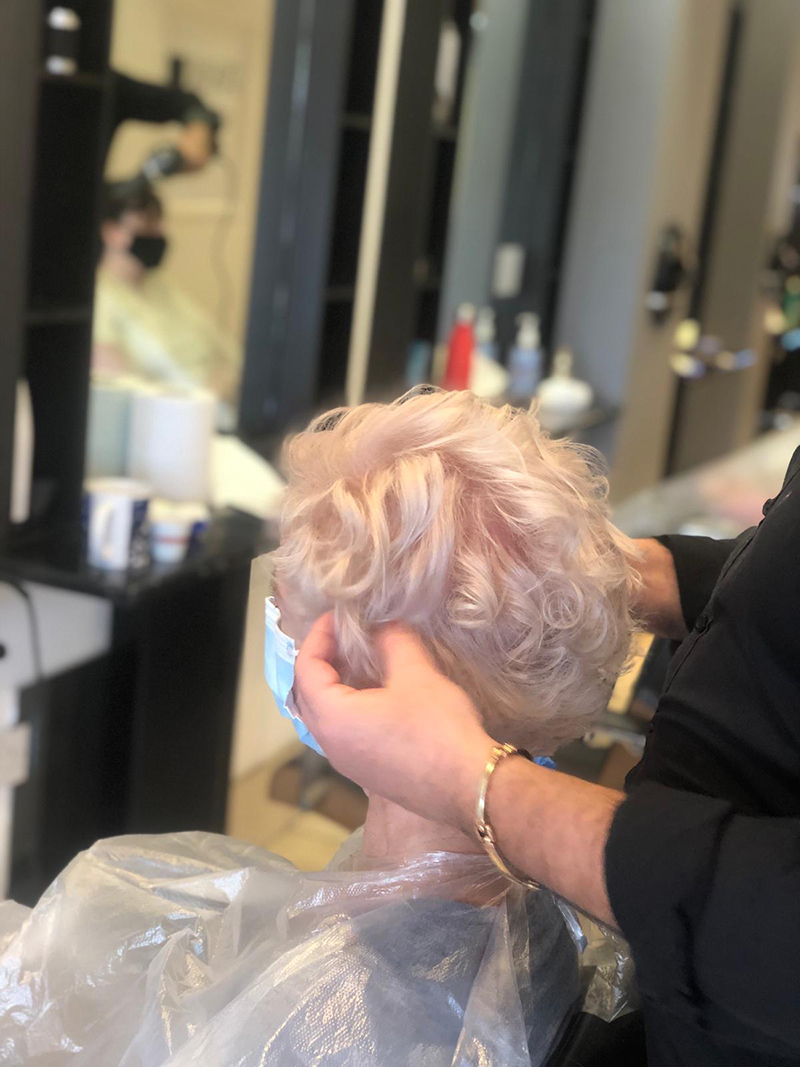 pisani-hair-stylists-reigate-surrey-barbers-beauticians 60